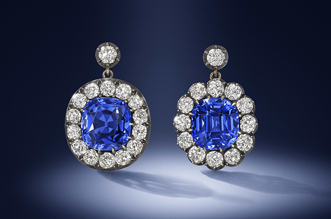 The Kashmir Sapphire Earrings Fiercely Contested And Finally Sold For 1 12 Million