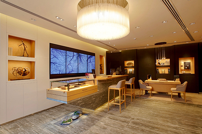 The New Boutique Reflects Brand S Global Retail Concept With An Elegant Design
